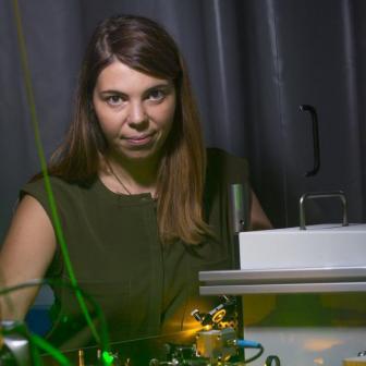 Quantenphysik; Laserlabor im Technik Institut / Magazin; Laser; Labor; Licht; Quanten; Physikerin / 2015